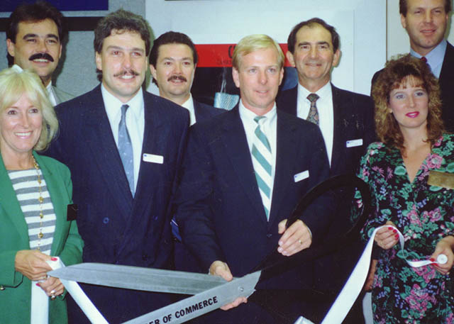 1990 Roland DGA Corporation is established to provide complete sales, marketing and support throughout the Americas.