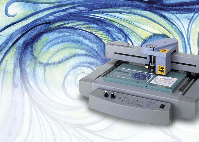 1996 The CS-20 is the world's first plotter to offer engraving, pen plotting and vinyl cutting.