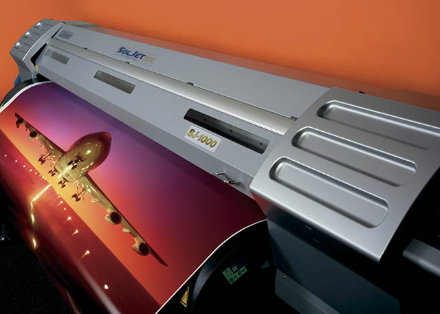 2004 Roland enters the grand-format printing market with the SOLJET SJ-1000.